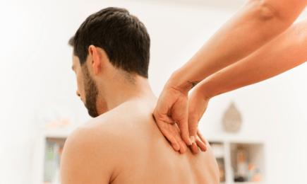 Foto Behandlung am Rücken